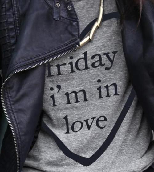 Friday I'm in Love T-Shirt -S-3XL- 3 Colors