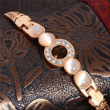 Load image into Gallery viewer, Rose Gold Plated Circle of Love Bracelet
