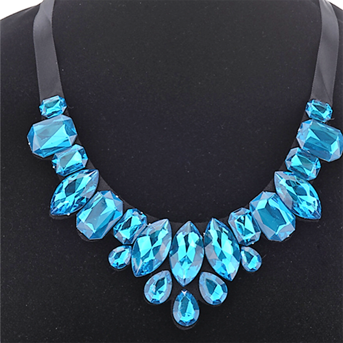 MADARI FASHIONS - Blue Austrian Crystal Necklace
