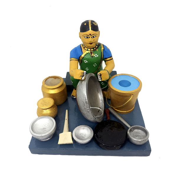 Women cleaning dishes - Kondapalli Toys