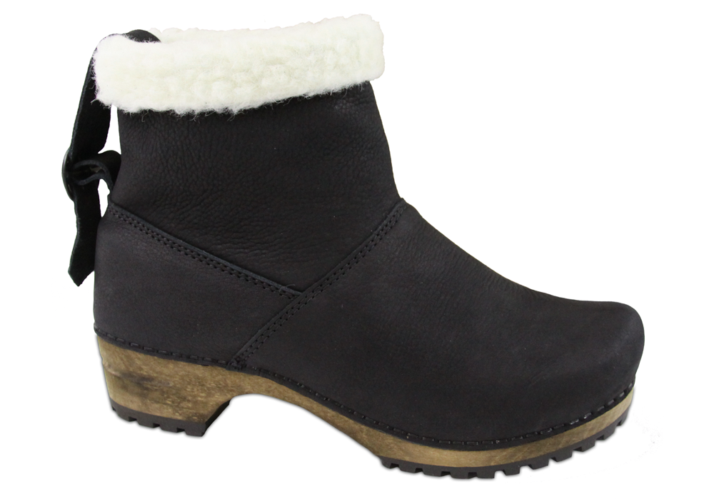 Silkan Women's in Black Boot