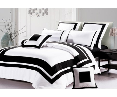 Black and White Quilt Cover Set (3PCS)