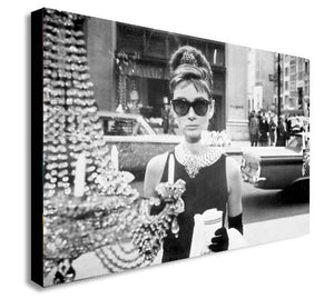 Audrey Hepburn - Breakfast at Tiffany's - Canvas Wall Art Framed Print - Various Sizes