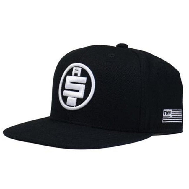 GORRA NEGRA BORDADA AS.