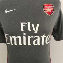 Load image into Gallery viewer, Arsenal 2010-11 Training Shirt