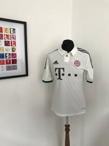 Bayern Munich 2013-2014 Away Shirt
