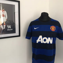 Load image into Gallery viewer, Manchester United 2011-12 Away Shirt