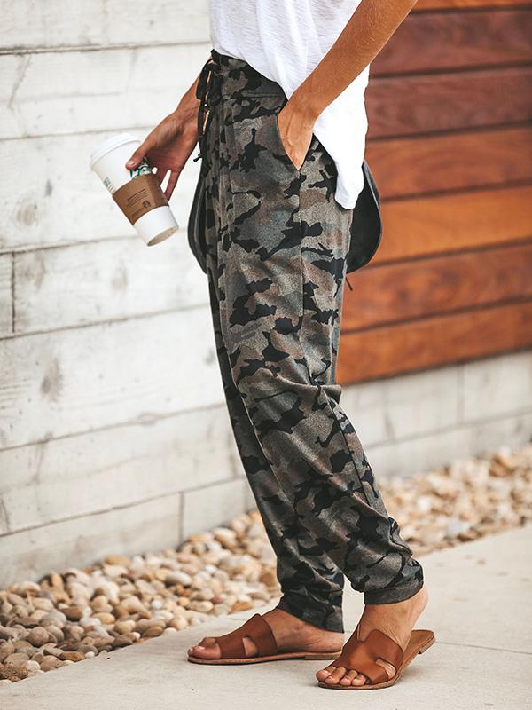 Pocketed Camo Pants