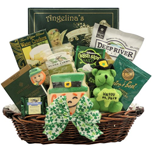 GreatArrivals Luck O' The Irish, St. Patrick's Day Gourmet Gift Basket, 3 Pound