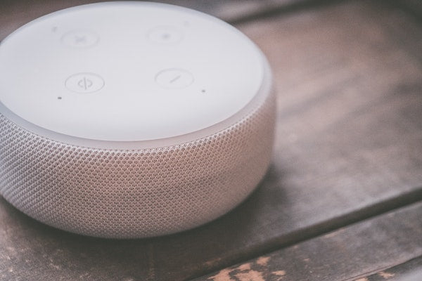 How are people using smart speakers?
