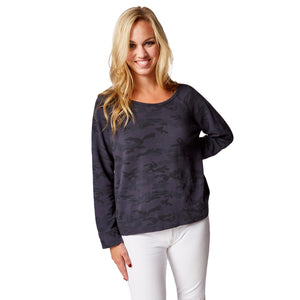 Season's Sweatshirt in Lady Navy Camo