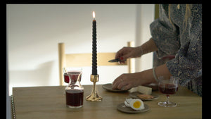 Candle hold