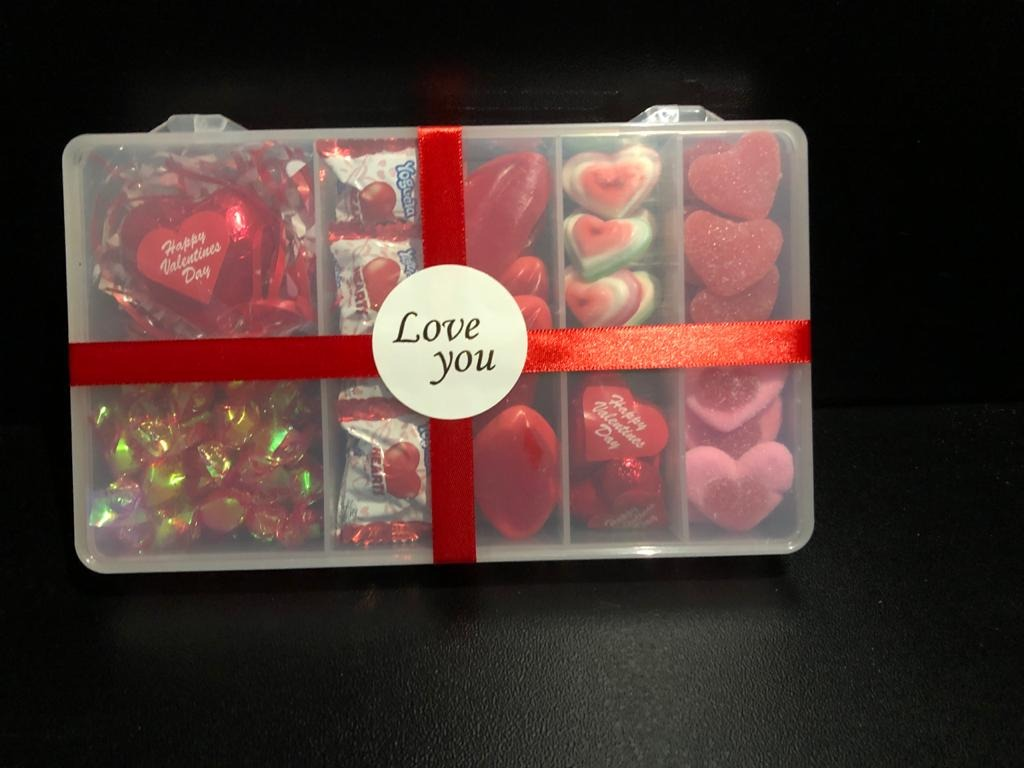 VALENTINE ASSORTED BOX (EXCLUSIVE TO SUNRISE SWEET MARKET)