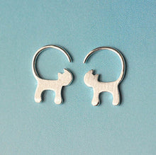 Load image into Gallery viewer, 925 Silver Long Tailed Cat Earrings
