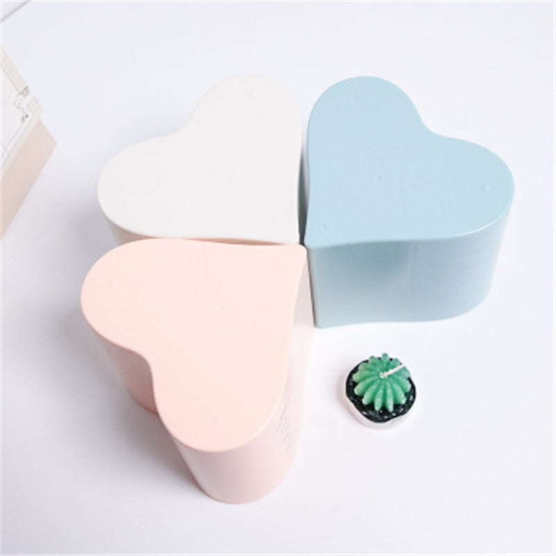 1Pc Pen Holder Sweet Simple Style Letter Printed Office Storage