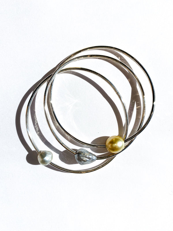 Wave Bangle with Pearls