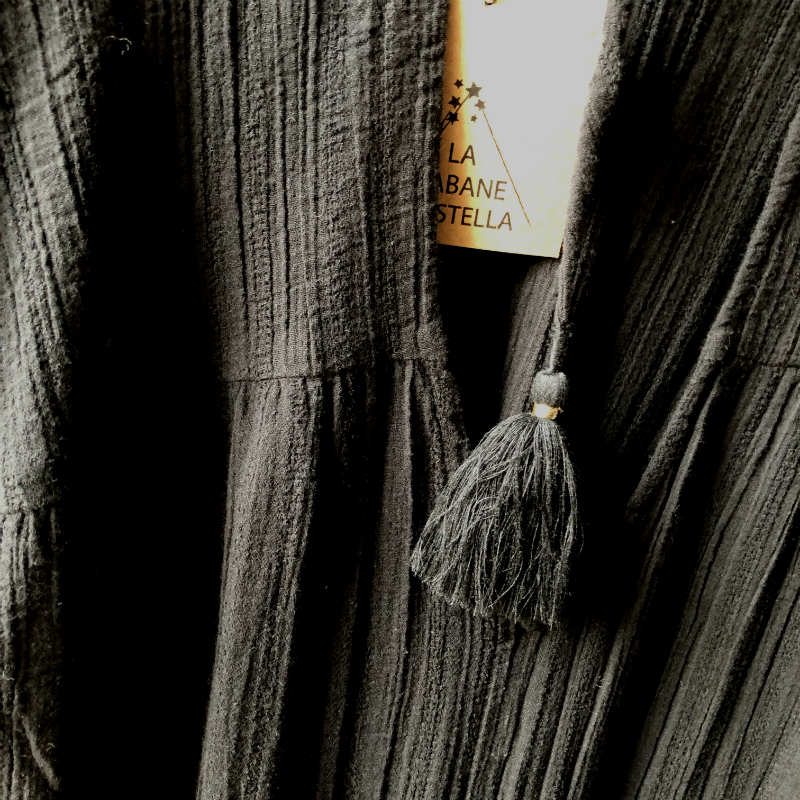 products/detail-robe-cds-noire.jpg