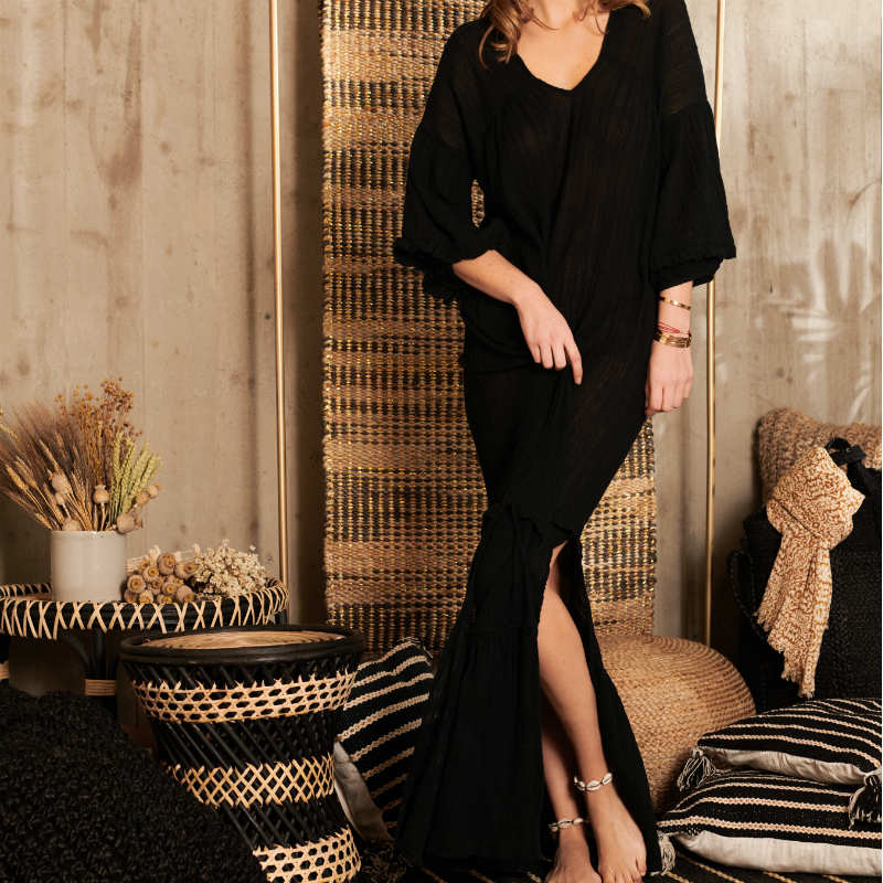 products/robe-noir-long.jpg