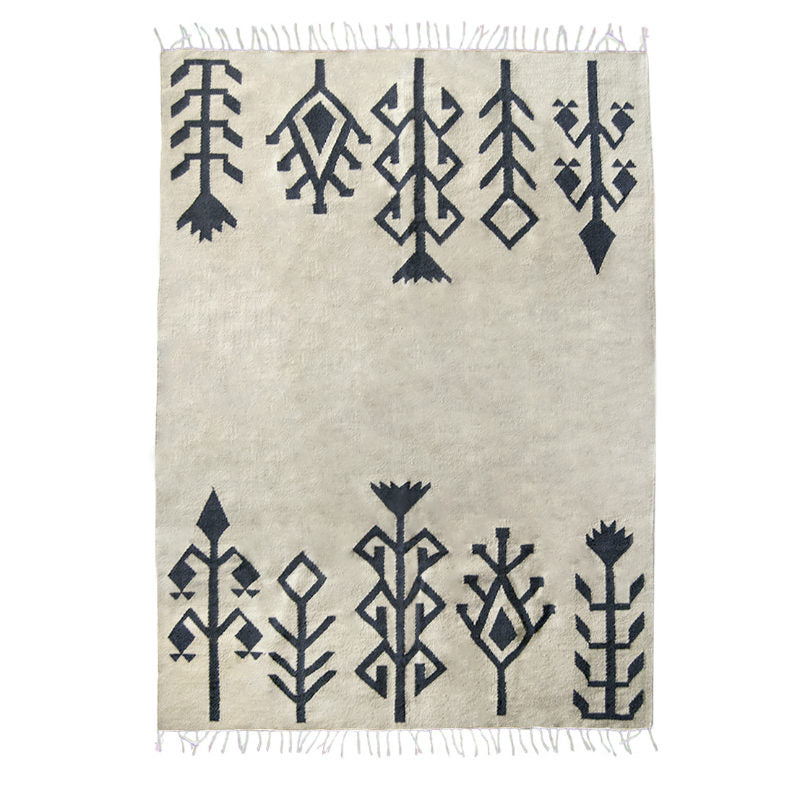 products/tapis-taupe-noir-ethnique.jpg