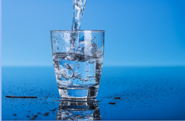 Water drinking for a healthy skin, a step in your skincare routine