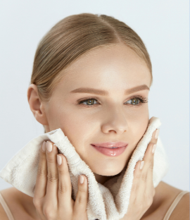 Keep your skin moisturize by using damp skin - skincare tips