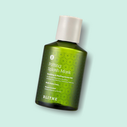 The Patting Splash Mask Soothing & Healing Green Tea is an innovative mask treatment from BLITHE, which is diluted with water and gives your skin particularly soothing and effective care after facial cleansing.