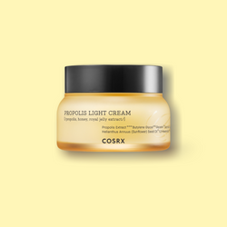 COSRX Full-Fit Propolis Light cream with a high percentage of black bee propolis complex and antioxidants transforms your skin from dry and dehydrated skin to a glowing complexion and skin that's plump with hydration.