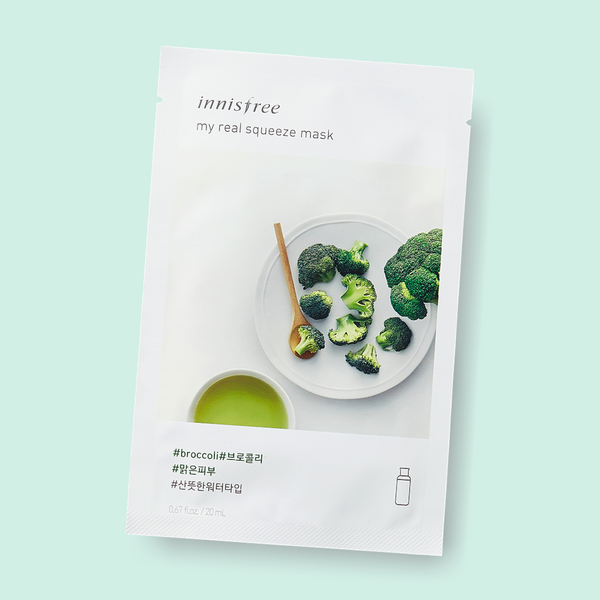 Give your skin a little hydration treat. Innisfree My Real Squeeze Mask Broccoli nourishes your complexion, leaving the skin radiant and healthy. This water-type mask is infused with broccoli extract. Being extracted by a cold brew squeeze process and packed with broccoli, this mask has clearing proponents which keeps skin supple, hydrated and nourished.