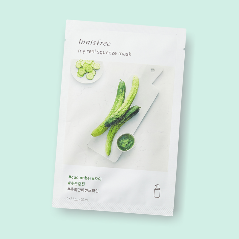 Give your skin a little hydration treat. Innisfree My Real Squeeze Mask Cucumber nourishes your complexion, leaving the skin radiant and healthy. This essence-type mask is infused with cucumber extract. Being extracted by a cold brew squeeze process and packed with cucumber, this mask has moisturizing proponents which keeps skin vitalized, hydrated and nourished.