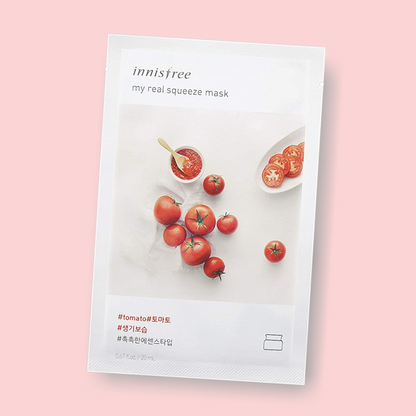 Innisfree My Real Squeeze Mask Tomato nourish your complexion, leaving the skin radiant and healthy. This essence-type Innisfree sheet mask is infused with tomato extract. Being extracted by a cold brew squeeze process and packed with tomato, this mask has nourishing proponents that keep skin clear, deeply hydrated, and vibrant.