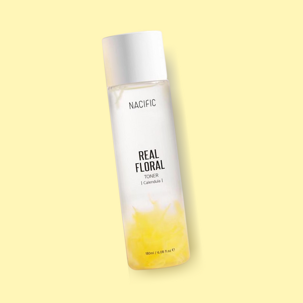 The NACIFIC Real Floral Toner Calendula features a highly concentrated formula that contains 91% of calendula flower water. It has moisturizing benefits, while also removing impurities, dust and excess residues.