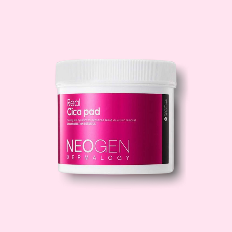 With 90 single-use pads, the NEOGEN Dermalogy Real Cica Pad is formulated in an essence form with Centella Asiatica Extract (also known as Cica) to help soothing and smoothing your skin without causing irritation.