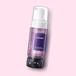 Rich in antioxidants, this lightweight and gentle NEOGEN Real Fresh Foam Blueberry delivers a hydrating effect while cleansing the skin thoroughly. It is infused with various skin-friendly ingredients, such as real blueberries, which give your complexion a healthy and radiant glow.