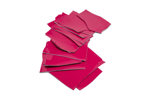 BAG OF 500 GR. OF SMALL SCRAPS OF FUCHSIA PATENT LEATHER