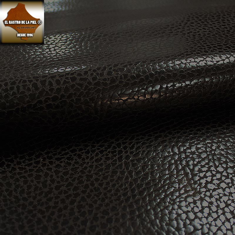 LEATHER WITH A TESTA ENGRAVED COW NECK AGED REF. VA-721-16