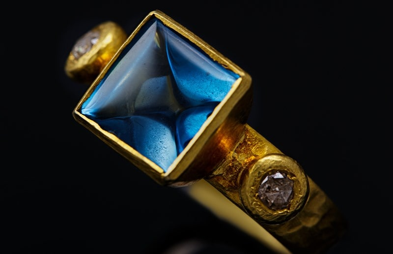 Norwegian Jewelry photography for jewellery designers and goldsmiths by Christian Sennesvik. Ring by Sophia Rose Jewellery in Oslo, Norway.