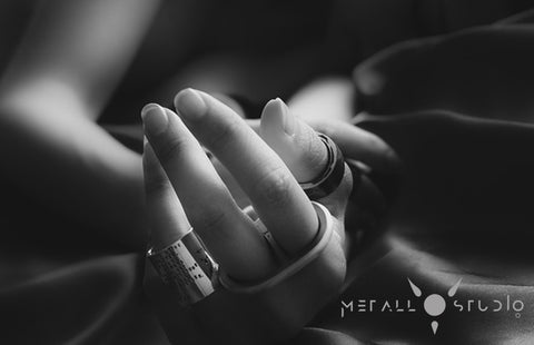 The Veronica Lake Statement Ring by Metallstudio in Troms Norway. Sjur Hassel is a Norwegian jewelry designer and goldsmith specializing in statement and metal jewelry.