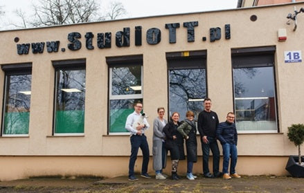 StudioTT.pl in Poland offers fabrication services to Norwegian jewelry designers and goldsmiths.