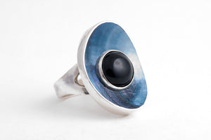 The Ocean's Eye Ring by Anette Skaugen Guldager - A contemporary and nature inspired Norwegian Jewellery designer in Telemark Norway.