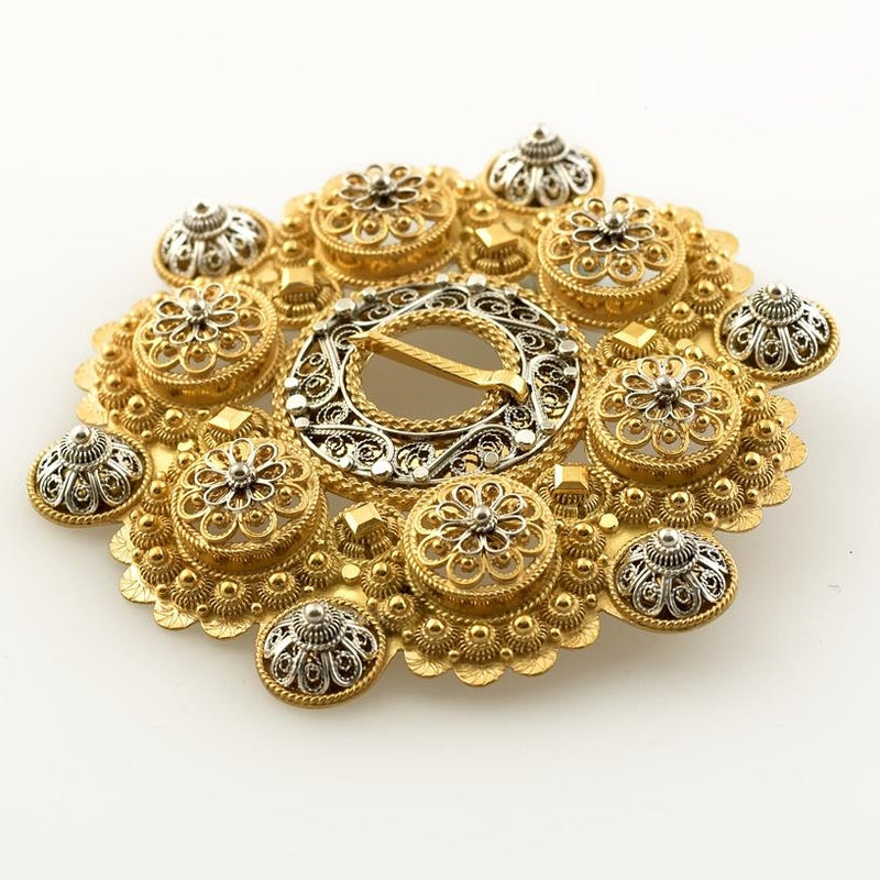 Hilde Nødtvedt - Bolesølje Brooch - Norwegian Jewelry features artisan jewellery designers and goldsmiths from Norway.