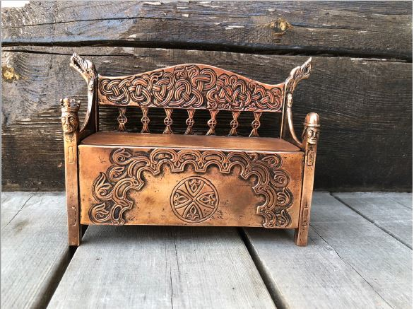 Brugdebenk (Jewelry Box) by Ivar Brendemo - Norwegian Jewelry