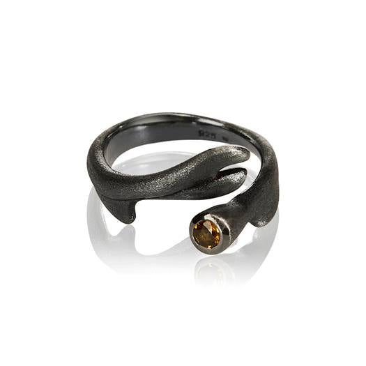 Root Ring by Vido Jewels - a Norwegian Jewelry designer located in Oslo, Norway.