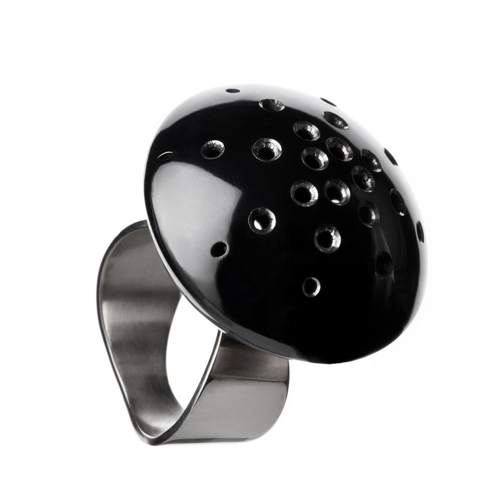GLOBUS PIPER Statement Ring by Undlien design, a Norwegian jewelry designer in Oslo, Norway. Photo by Aliona Pazniakova.