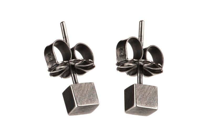 TALUS NIGER earrings by Undlien Design - A Norwegian jewelry designer located in Oslo, Norway.