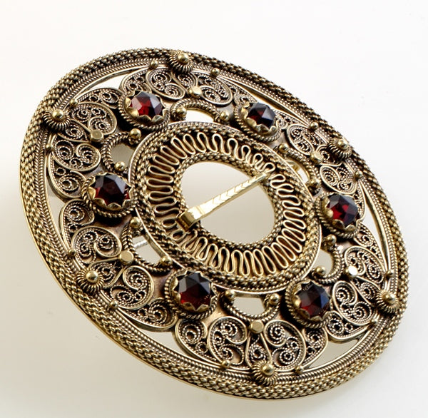 Hilde Nødtvedt - Filigransølje Brooch - Norwegian Jewelry features artisan jewellery designers and goldsmiths from Norway.