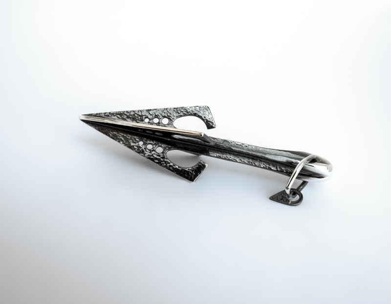 Metallstudio - Bouncer Arrow Pendant Pendants - Norwegian Jewelry features artisan jewellery designers and goldsmiths from Norway.