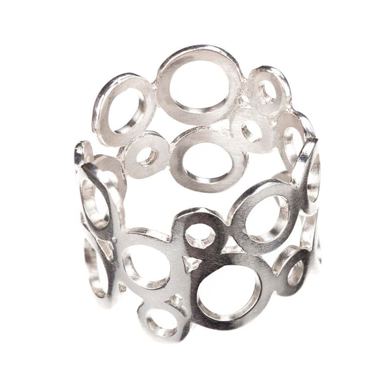 RETICULARIS RASILIS ring by Undlien design - a Norwegian jewelry designer in Oslo, Norway.