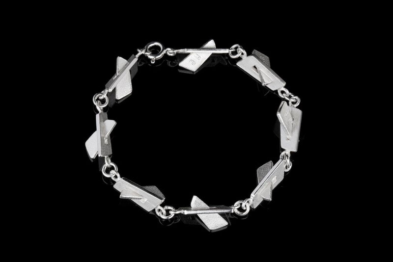 IGJ Design - Mountain Bracelet Bracelets - Norwegian Jewelry features artisan jewellery designers and goldsmiths from Norway.