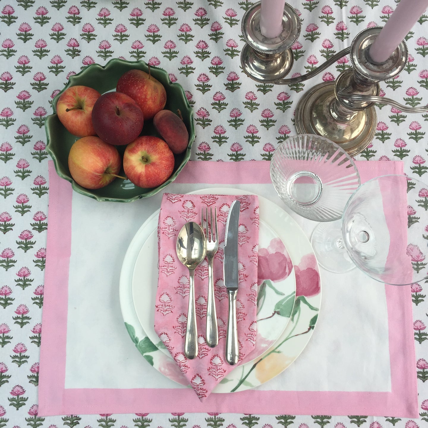 Hand Block Printed Pink Border Place Mat Set (Includes six place mats)