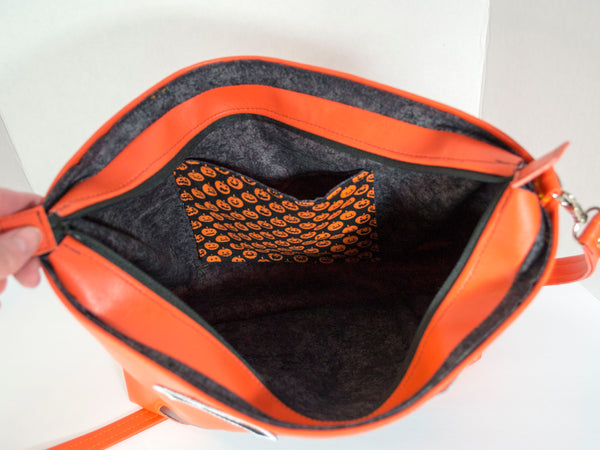 Bat O'Lantern Small Zipper Tote Purse